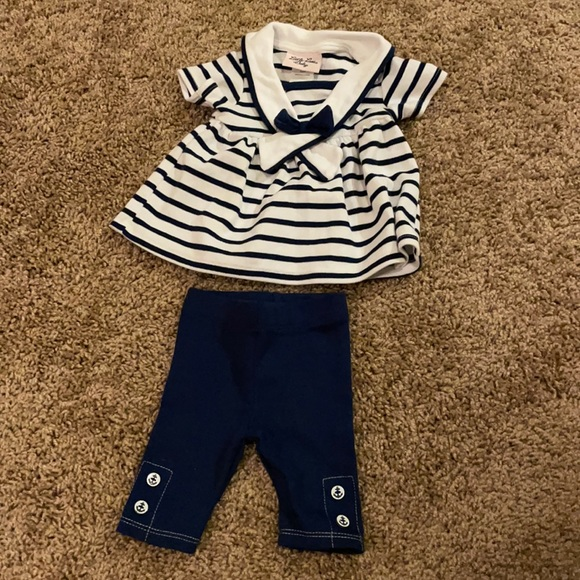 Baby outfit. Size 0-3m.